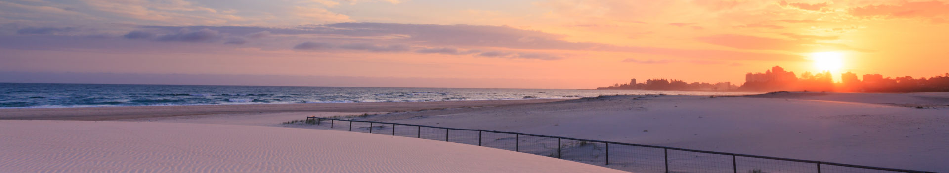 Redseason - Holidays - Kirra Beach At Sunrise (queensland, Australia)